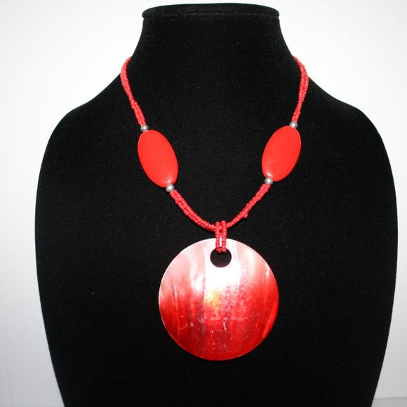 """Beautiful red beaded shell necklace 18"""""""